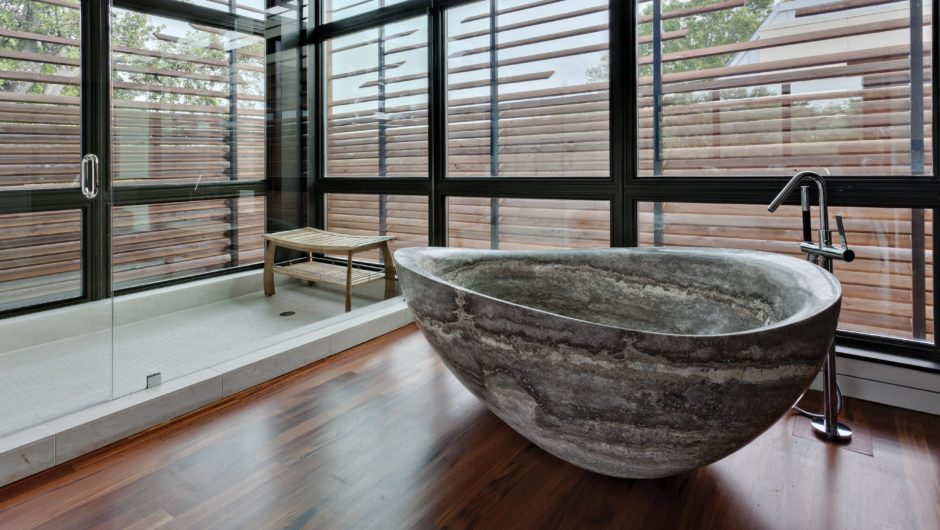 Stone-Forest-Kitchen-Bath-Bathtubs-1-940x530